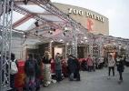 """Fãs fazem fila para ver """"Cinquenta Tons de Cinza"""" no Festival de Berlim - Bernd Von Jutrczenka/EFE"""