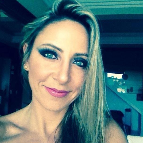 """11.fev.2015 - Francieli, primeira eliminada do """"BBB15"""", posta foto agradecendo a participação dos fãs na Twittcam"""