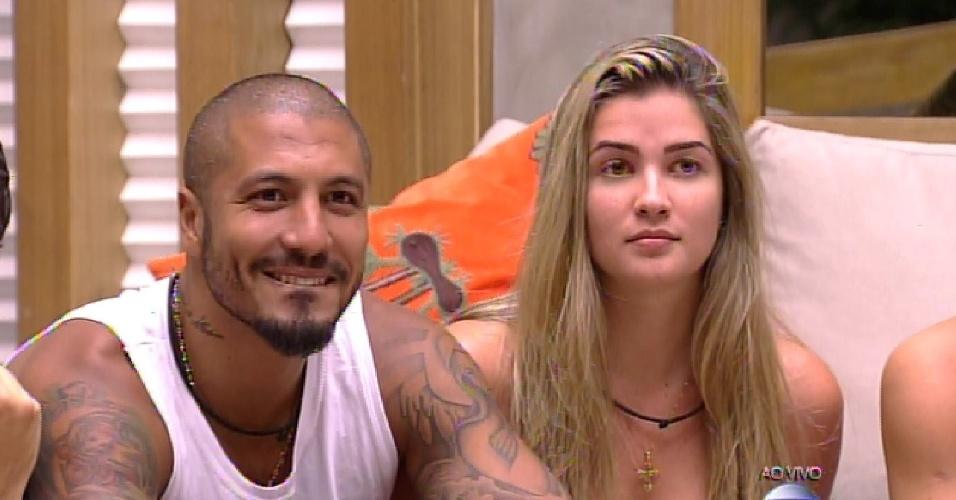 12.fev.2015 - Fernando e Aline são vetados por Amanda da prova do líder