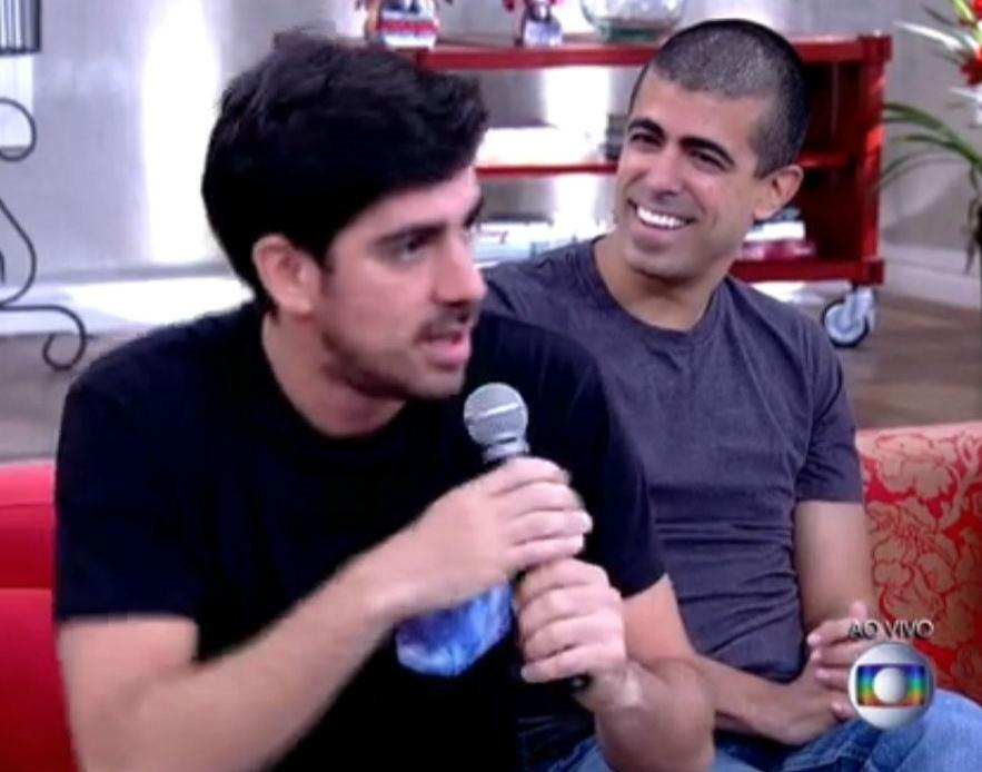 12.fev.2015 - Marcelo Adnet sem aliança no