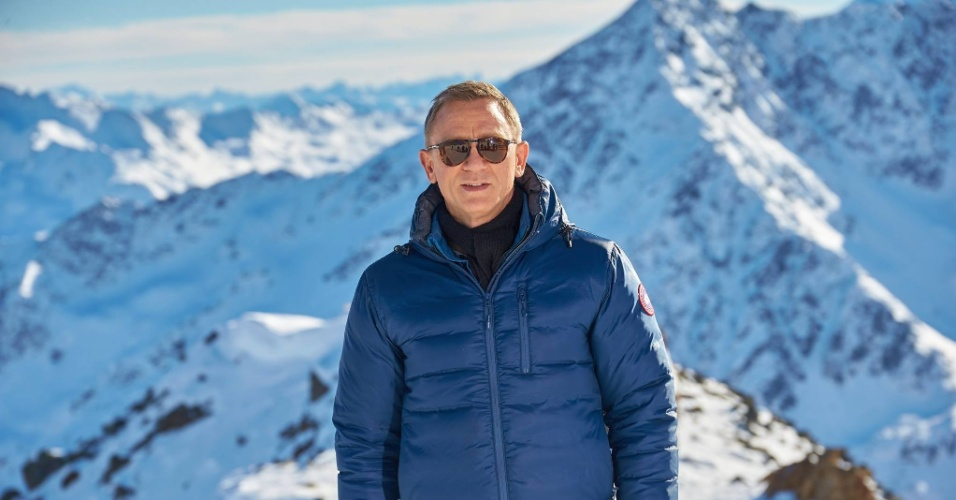 12.fev.2015 - Video mostra bastidores da gravação de novo James Bond, nos Alpes austríacos