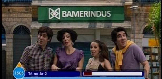 """Público se divertiu com """"comercial"""" da poupança Bamerindus na estreia da segunda temporada do """"Tá no Ar: A TV na TV"""""""