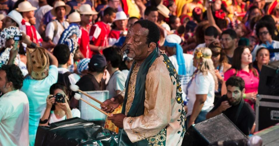13.fev.2015 - Carnaval do Recife abre no Marco Zero, com homenagem ao Maestro Spok e a Dona Luíza Ramalho e show com Naná Vasconcelos.