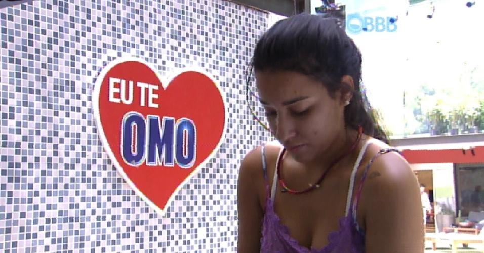 13.fev.2015 - Enquanto lava roupa na academia, Talita diz que ia ser muito cruel colocarem ela e o namorado Rafael no paredão.