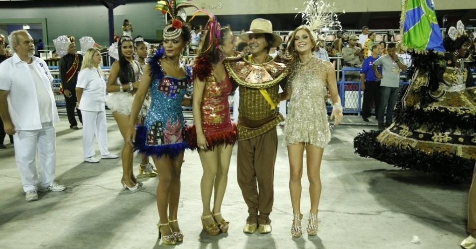 """Fev.2015 - Elenco prepara o desfile da União de Santa Teresa, na Marquês de Sapucaí. O Carnaval da novela """"Império"""" terá a volta do Comendador e atentado na Sapucaí, mas também muito brilho da turma do salão de beleza"""