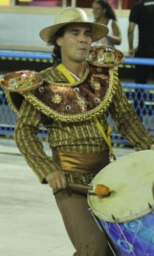 """Fev.2015 - Elenco prepara o desfile da União de Santa Teresa, na Marquês de Sapucaí. O Carnaval da novela """"Império"""" terá a volta do Comendador e atentado no sambódromo"""