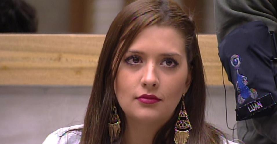 15.fev.2015 - Anjo, Tamires imuniza o Adrilles