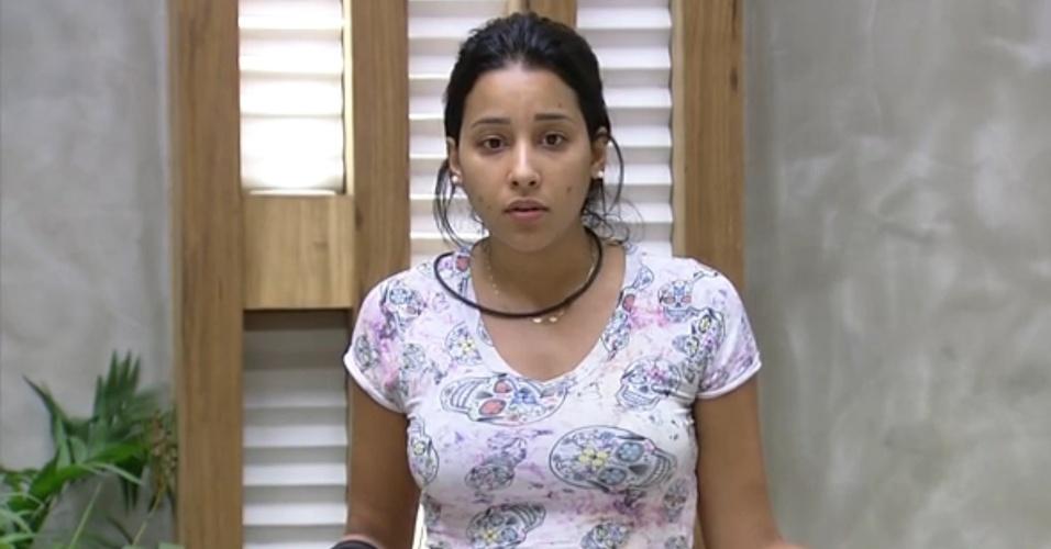 """15.fev.2015 - Após discutir com Mariza, Talita alfineta: """"Quando ela não está fofocando, está se fazendo de coitada"""""""