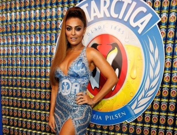 Veja os famosos que curtiram o Carnaval no Rio de Janeiro - BOL Fotos - BOL  Fotos 526266c53e