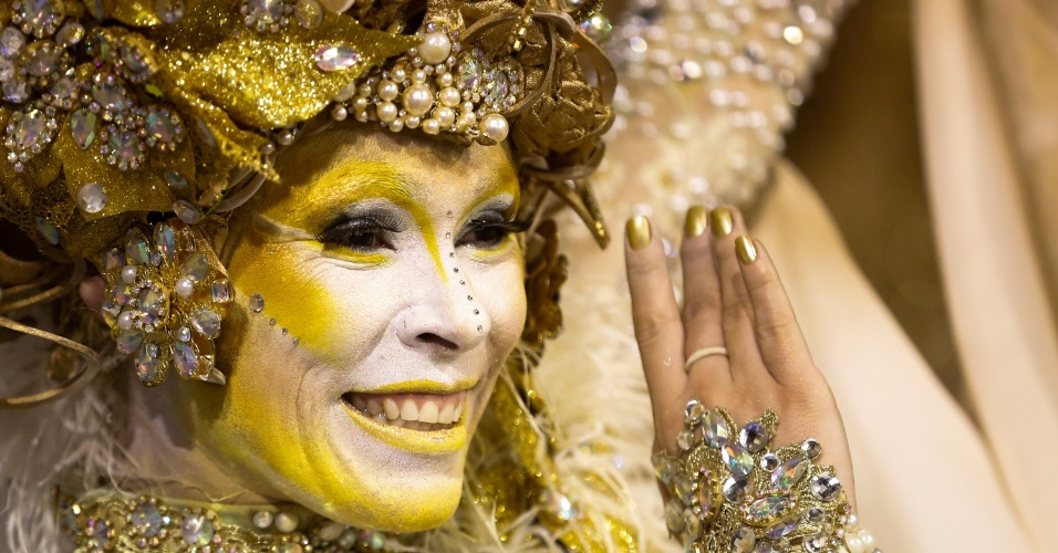 15.fev.2015 - Personagens e peças de teatro em que Marília Pêra atuou serviram de inspiração para as fantasias.