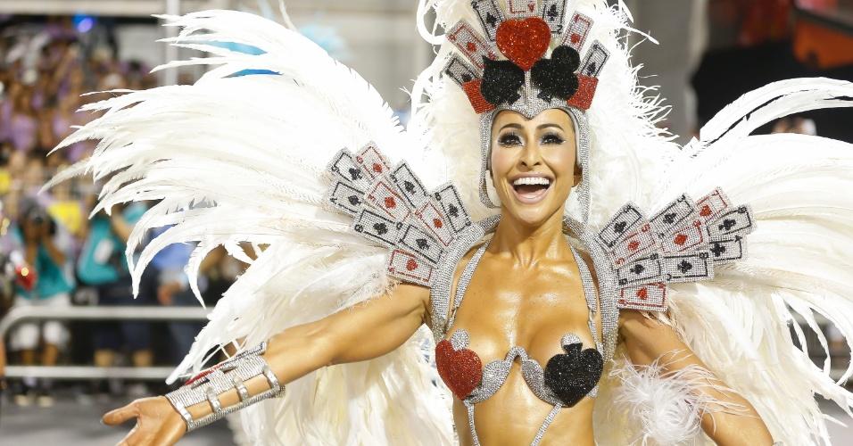 15.fev.2015 - Sabrina Sato desfilou mais uma vez como Madrinha da Bateria da Gaviões da Fiel