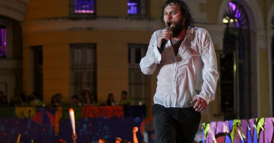 16.fev.2015 - Cantor Otto se apresenta em sua terra natal durante o Carnaval do Marco Zero