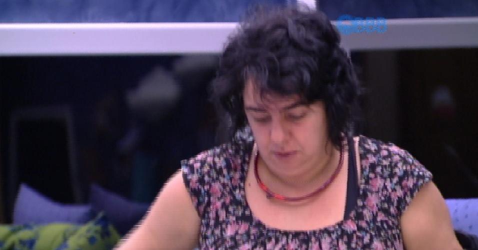 """16.fev.2015 - Mariza diz que, se ficar, não cai mais no """"gingadinho de aeromoça"""" de Talita"""