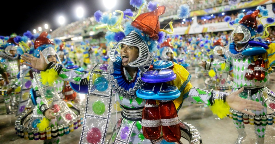 16.fev.2015 - Mocidade Independente de Padre Miguel tem como samba-enredo