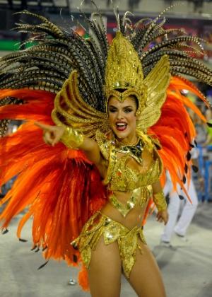 Paloma Bernardi no desfile de 2015 da Grande Rio, antes de virar rainha de bateria