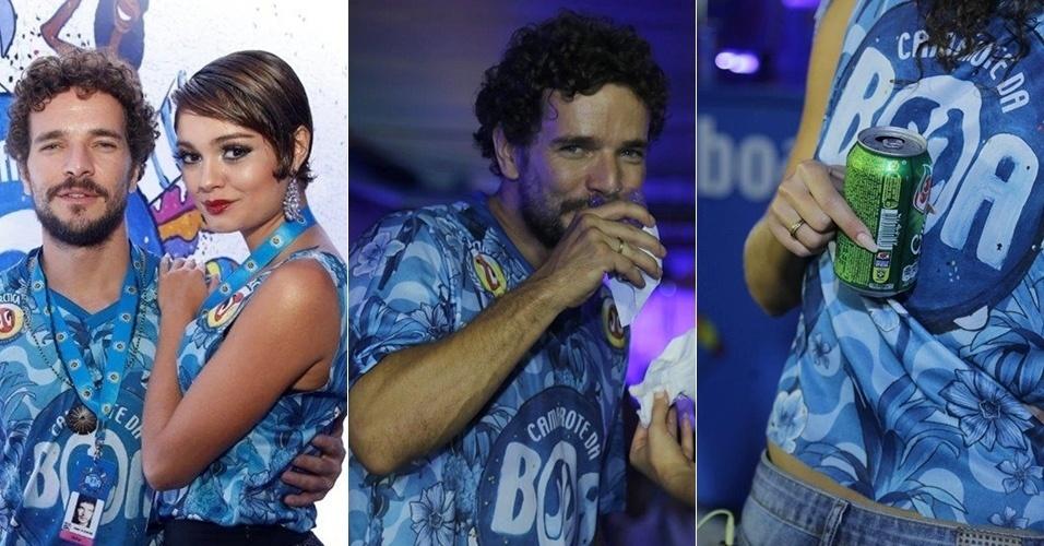 17.fev.2015 - Daniel de Oliveira e Sophie Charlotte aparecem com alianças em camarote da Sapucaí durante o Carnaval carioca