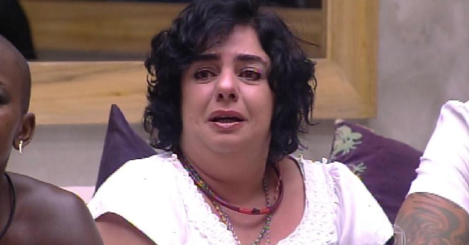 17.fev.2015 - Mariza chora ao saber que não será a eliminada da noite