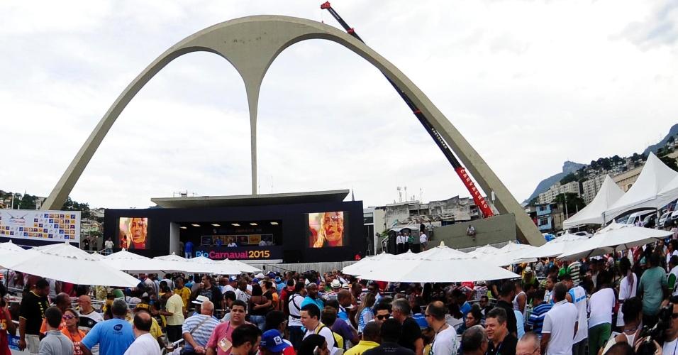 18.fev.2015 - Apuração do Carnaval do Rio de Janeiro na Marques de Sapucaí