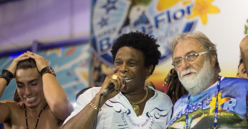 18.fev.2015 - Comandada por Neguinho da Beija-Flor, a festa do título acontece na quadra da escola campeã