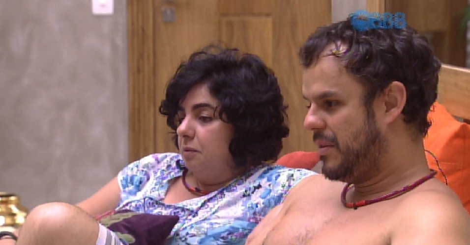 18.fev.2015 - Mariza diz para Adrilles parar de sufocar Tamires
