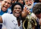 Símbolo da Beija-Flor, Neguinho grava sambas para escolas concorrentes - Marcelo de Jesus/UOL