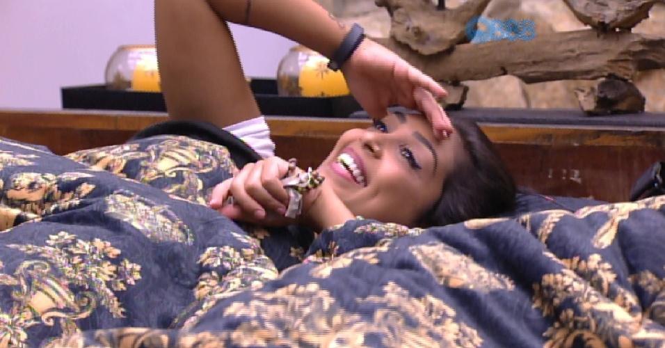 """18.fev.2015 - No quarto do líder Luan, Angélica diz que Fernando está desolado e Amanda rebate: """"Também, escolheu a mulher errada"""""""