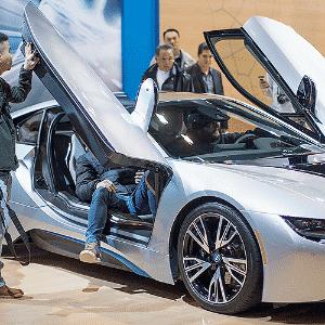 BMW i8 - Scott Olson/Getty Images/AFP