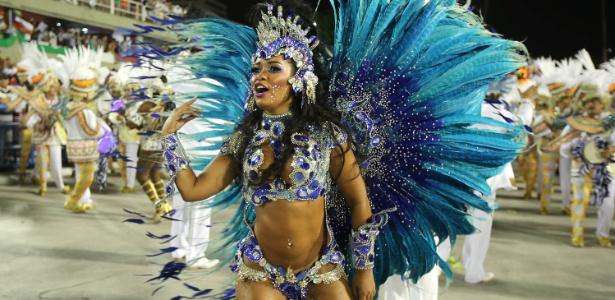 Rainha de bateria Raíssa Oliveira durante o desfile da campeã Beija-Flor em 2015