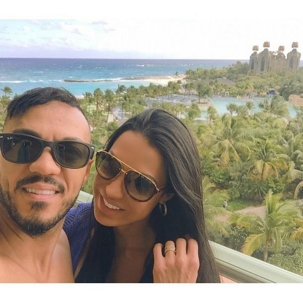 20.fev.2015 - Gracyanne Barbosa está curtindo férias com o marido, Belo, nas Bahamas. A dançarina aproveitou ainda para dizer que o casal não planeja ter um filho tão cedo.