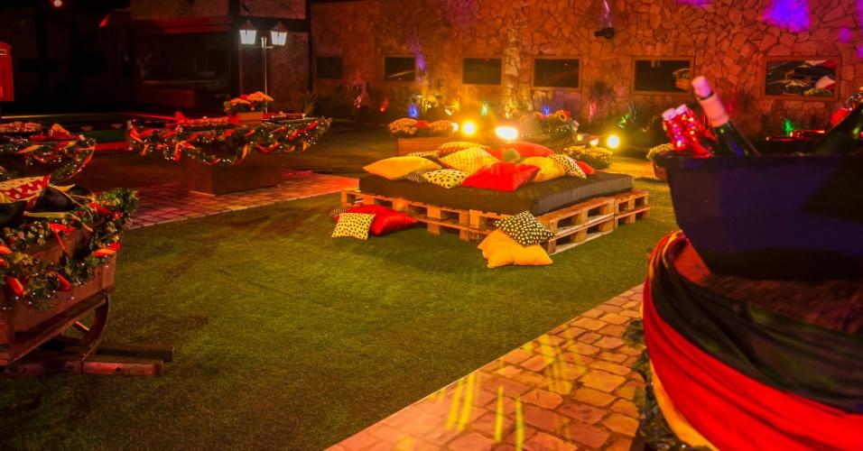 18.fev.2014 - Decoração da Noite Alemã tem carroças com flores, almofadas e petiscos típicos