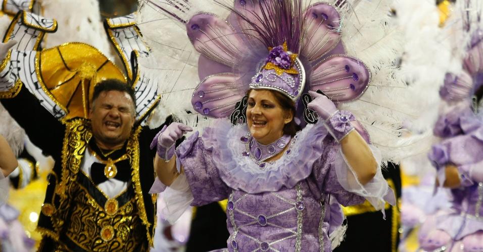20.fev.2015 - Vice-campeã do carnaval paulista, a Mocidade Alegre foi a penúltina escola a participar do desfile das campeãs, que aconteceu na madrugada deste sábado (22), no Sambódromo do Anhembi, em São Paulo