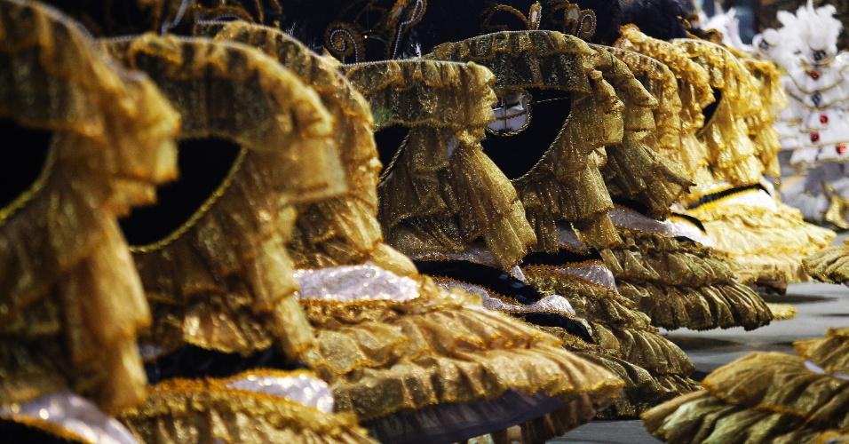 21.fev.2015 - Campeã do Carnaval de São Paulo em 2015, a Vai-Vai fechou o desfile das campeãs na madrugada deste sábado. Este é o 15º titulo da Vai-Vai, em 85 anos de história