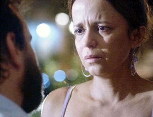 Cansado, Ismael pede a separação de Lorraine e avisa que vai sair de casa