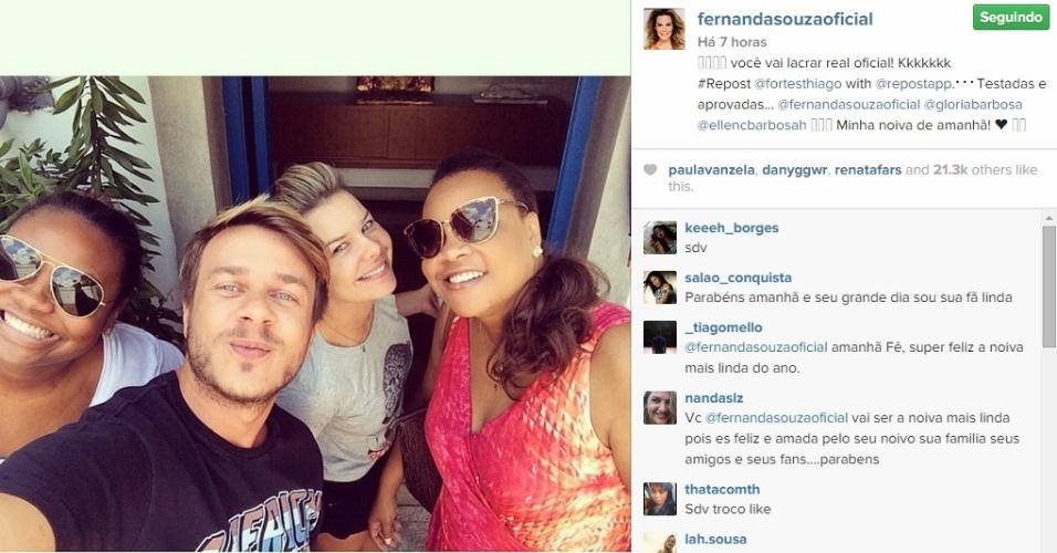 23.fev.2015 - Fernanda Souza e Thiaguinho se casam nesta terça-feira (24), em cerimônia tradicional em São Paulo. A atriz fez o teste do penteado com o cabeleireiro Thiago Fortes