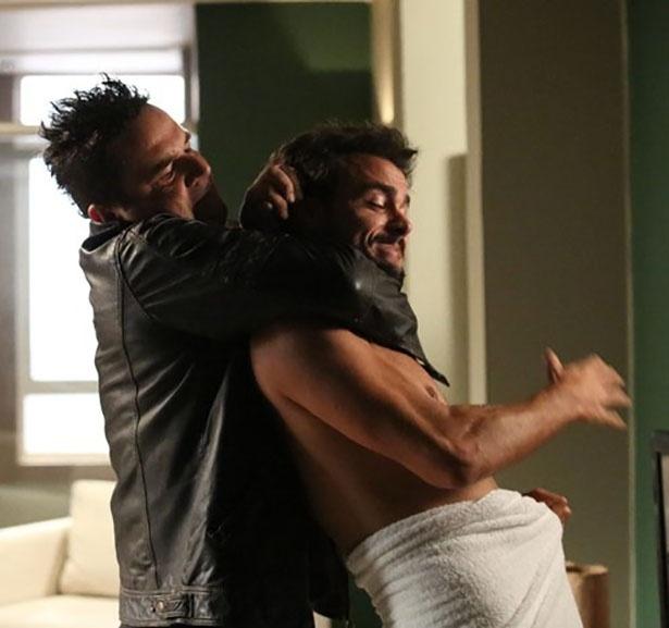 Felipe ataca Enrico em