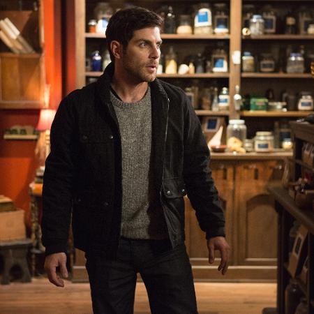 """O protagonista de """"Grimm"""", Nick Burkhardt (David Giuntoli), em cena do episódio """"Chupa-cabra"""" - Divulgação"""