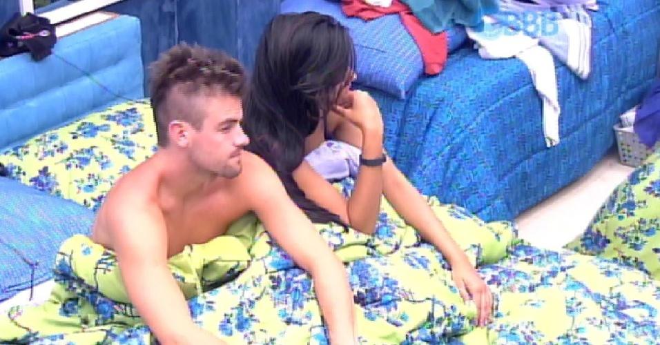24.fev.2015 - Rafael e Talita acordam