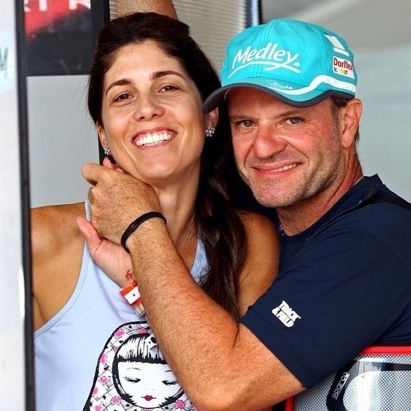24.fev.2015 - Rubinho Barrichello completa 18 anos de casado