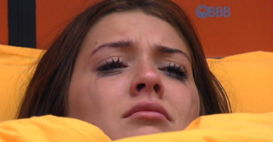 24.fev.2015 - Tamires e Amanda choram sem parar