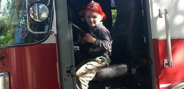 Glenn Buratti ganhou uma visita do corpo de bombeiros por causa do seu aniversário - Arquivo Pessoal