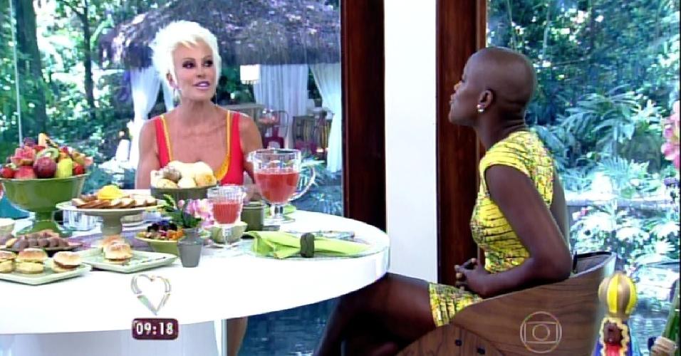 """25.fev.2015 - Angélica, última eliminada do """"BBB15"""" foi uma das entrevistadas do programa de Ana Maria Braga na manhã desta quarta-feira"""