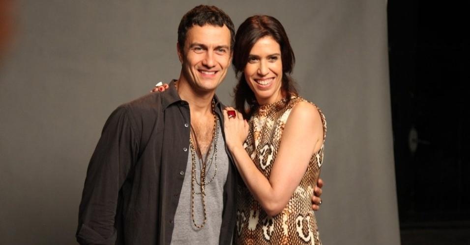 Gabriel Braga Nunes e Maria Clara Gueiros vivem um casal na novela