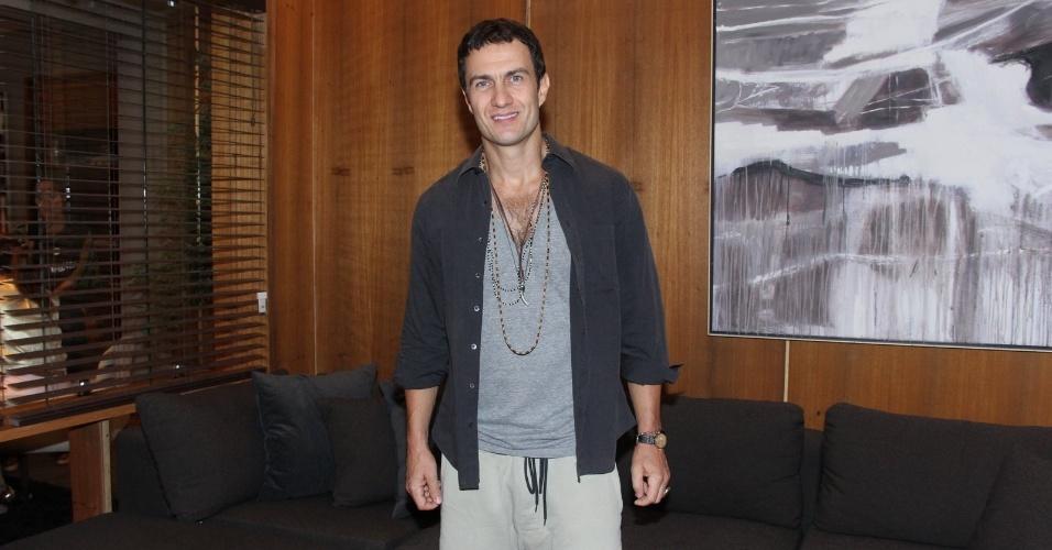 Gabriel Braga Nunes vive o malandro Luís Fernando em