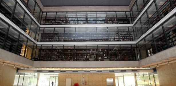 Acervo foi digitalizado da coleção com mais de 62 mil títulos, preservados em prédio da USP