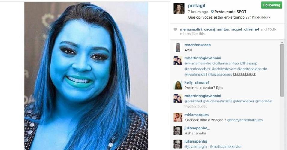 27.fev.2015 - Preta é azul <3