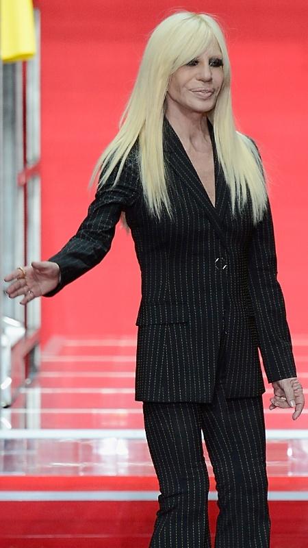 Donatella Versace, estilista da grife; Marca nega alegações - Getty Images