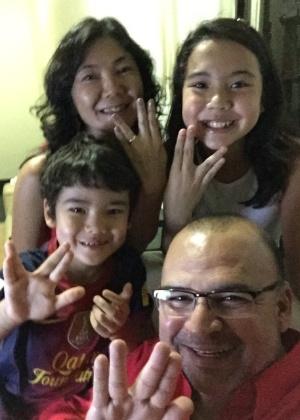 """""""A família Takada Silva deseja vida longa ao Dr. Spock. Ícone de uma época e eternizado por nós, seus fãs"""""""