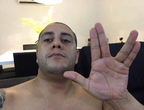 """""""A galáxia perde um grande ator"""", declara Thiago Pettinato, de São Paulo (SP)"""