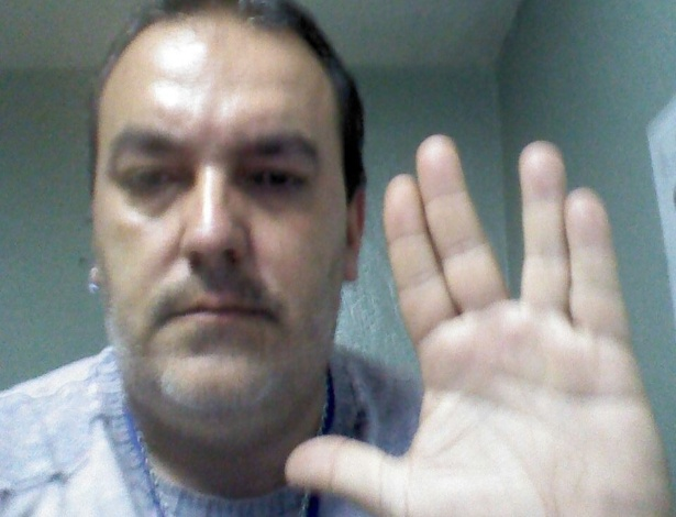 """Maximiliano Pithon Fernandes, de Bragança Paulista, faz saudação: """"A Fronteira Final #LLAP"""""""