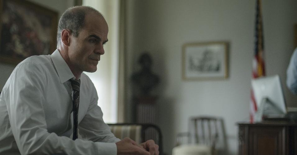 Michael Kelly como Doug em House of Cards